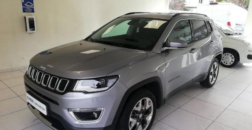 Sprzedaż samochodu marki Jeep Kliknięcie w obrazek spowoduje wyświetlenie jego powiększenia