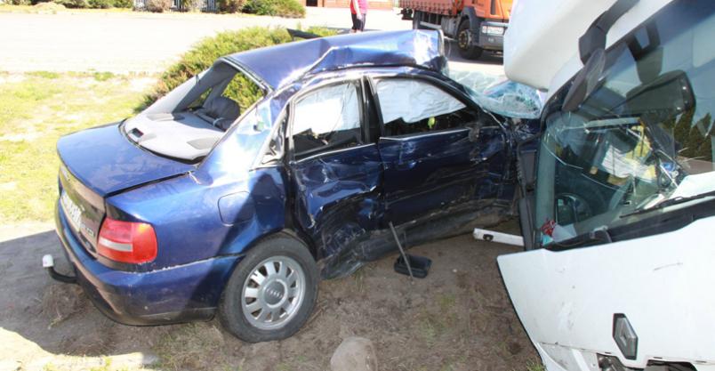 Dwa wypadki z udziałem ciężarówek Kliknięcie w obrazek spowoduje wyświetlenie jego powiększenia