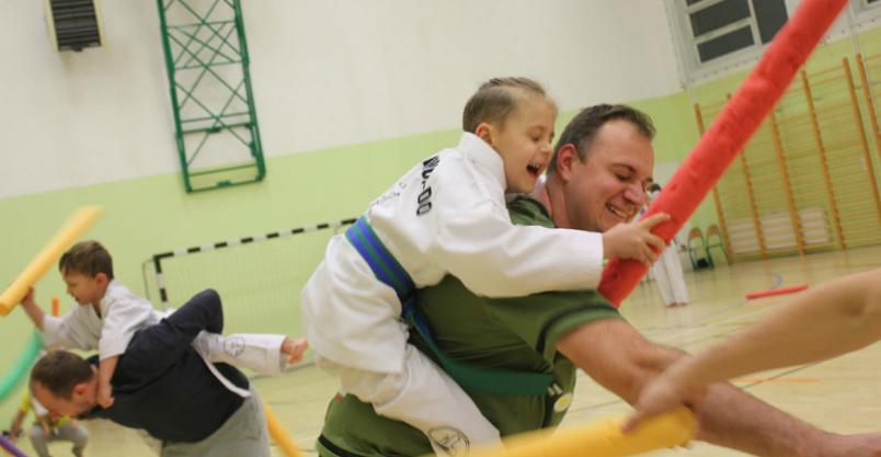 """Ponad 170 zawodników w taekwondo w płońskiej """"Trójce"""" Kliknięcie w obrazek spowoduje wyświetlenie jego powiększenia"""