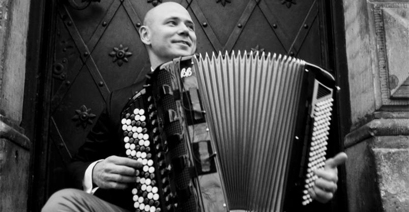 """Wirtuoz akordeonu, zwycięzca """"Mam Talent"""" zagra w Płońsku Kliknięcie w obrazek spowoduje wyświetlenie jego powiększenia"""