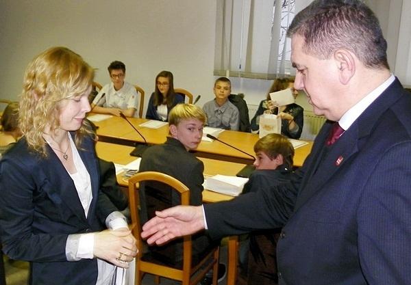 Sesja, a burmistrz uśmiechnięty(!) Kliknięcie w obrazek spowoduje wyświetlenie jego powiększenia