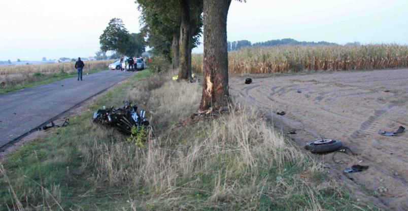 Motocyklista zginął na miejscu Kliknięcie w obrazek spowoduje wyświetlenie jego powiększenia