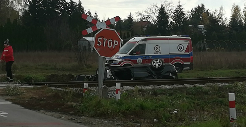 Groźna kolizja na przejeździe kolejowym Kliknięcie w obrazek spowoduje wyświetlenie jego powiększenia