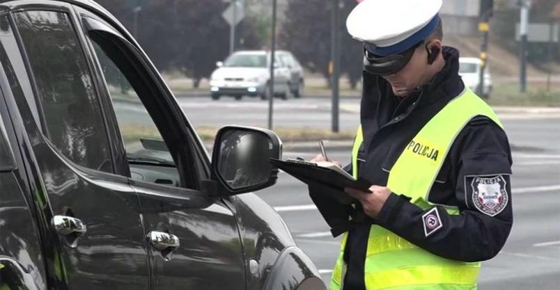 Uwaga kierowcy! Zmiany w przepisach. Od 7 listopada policja może więcej Kliknięcie w obrazek spowoduje wyświetlenie jego powiększenia