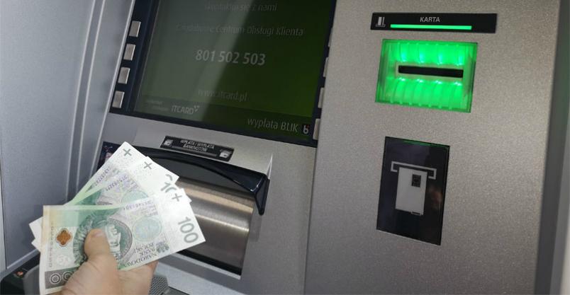 Ukradł kartę i wypłacił pieniądze. Myślał, że pozostanie bezkarny Kliknięcie w obrazek spowoduje wyświetlenie jego powiększenia