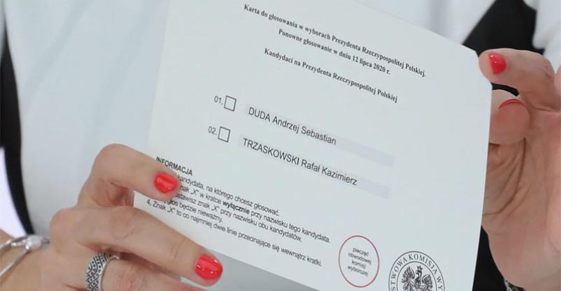 Pochwaliła się zdjęciem karty wyborczej w sieci. Zawiadomiono policję Kliknięcie w obrazek spowoduje wyświetlenie jego powiększenia