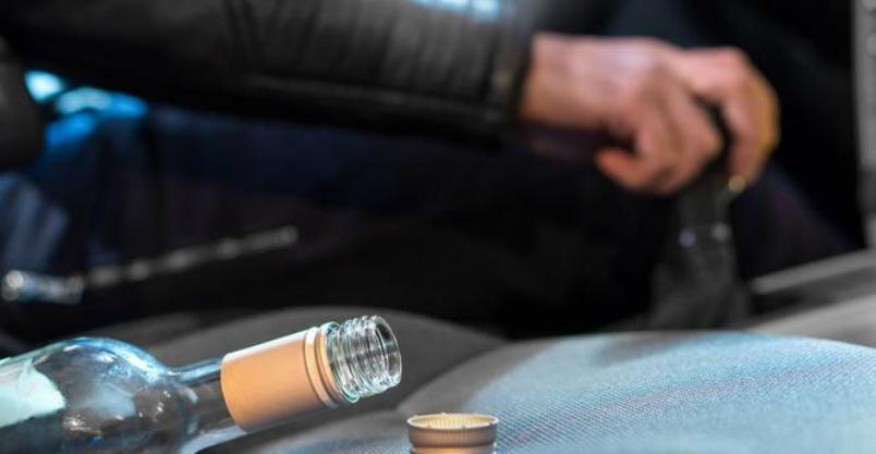Zasnął za kierownicą. Miał 2,5 promila i zakaz prowadzenia pojazdów Kliknięcie w obrazek spowoduje wyświetlenie jego powiększenia